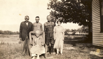 Elsie Majors with husband Charles Brewer. Possibly brother Orville Brewer and parents Jacob & Salina Brewer.