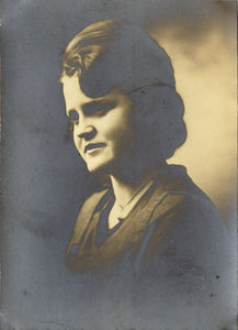 Young Easter Helen Majors