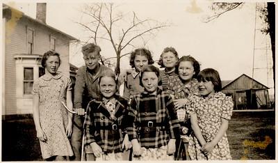 Fern; and; Faye; Kids. Pearlie far left. Mary Jane Majors far right.