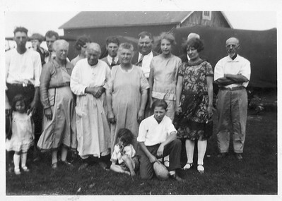Schmitz/Stein Gathering 1926/27. On left is Oscar and Mary Louisa, front row is Frances Schmitz and Louisa. Young man in front may be Leroy Stein. John Stein on right.