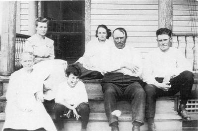 Fred & Mary (Schmitz) Kolanczik family pictures