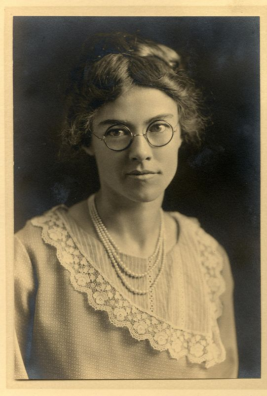 Hazel Benshoff (1896-1991) daughter of Will Alton and Claudine (Stevens) Benshoff