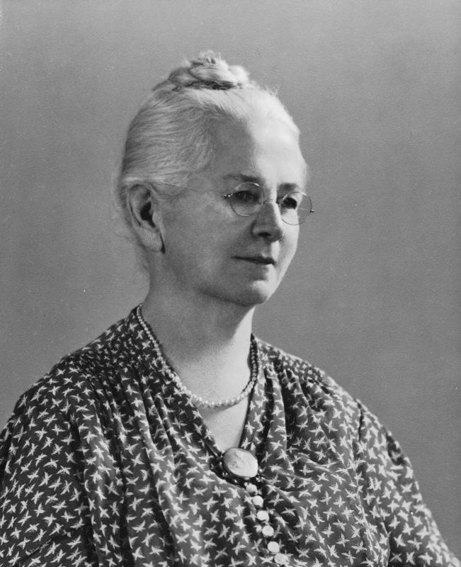 Claudine Deforest (Stevens) Benshoff (1869-1960) daughter of Franklin Dyson and Annie Adelaide (Bush) Stevens.