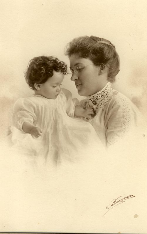 Agnes (Johnston) Stevens (1880-1960) and her daughter Barbara (1911-1996)