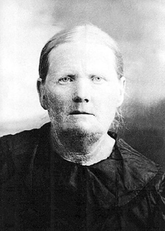 This is Marie Katherine (Steinbrecher) Wiedeman, who was born in Unterdorf on 8 July 1856 and died in Gering, Nebraska on 7 January 1941.  She was the daughter of Katherine Lei and Heinrich Steinbrecher, and the wife of Phillip Wiedeman.  Our thanks to Heide Langenbeck for providing this photograph.