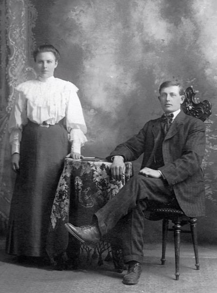 Many thanks to Allison Wysocki for sharing this picture -- taken in Winnipeg in 1907.  It shows her great grandmother, Amalia Ehrhardt (b. 1887 in Unterdorf, d. 1970 in Portland, OR) and great grandfather, David Knaus (b. 1882 in Holstein, d. 1937 in Calgary, AB, Canada).  Amalia lived in Unterdorf until her family left Russia and arrived in Winnipeg in November 1906.  She married David in Winnipeg in January 1907.