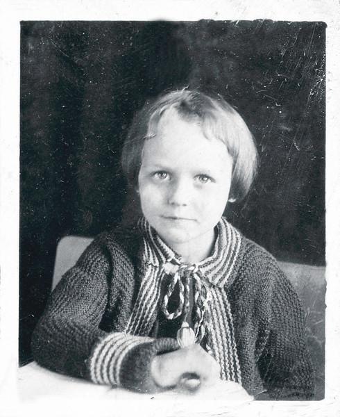 Vivian Nolin, age 5, 1922