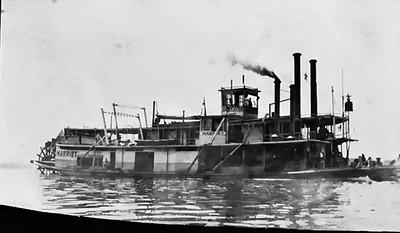 Steamboat Harriett on Mississippi River 1909