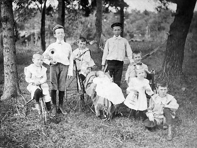 Sloan Grandchildren on the farm Seaton, IL circa 1900. Clarence in dark hat.