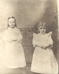 Hattie and Cora Woods