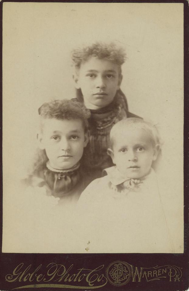 Theodosia, Mae & Henry Leonhart