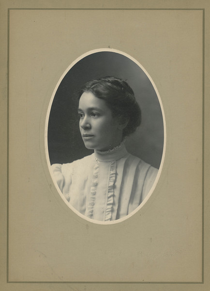 Mae Leonhart