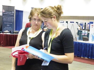 Phillips Legacy Scholar Judith Guy (Eureka College) and her mother, Karen.