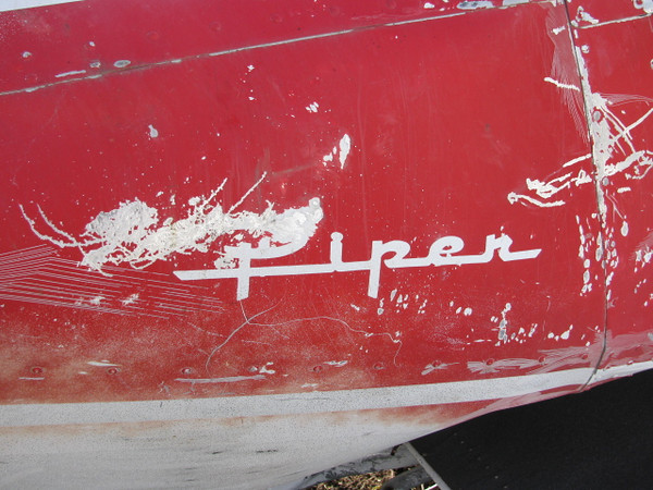 The classic Piper Aircraft logo is still visible.
