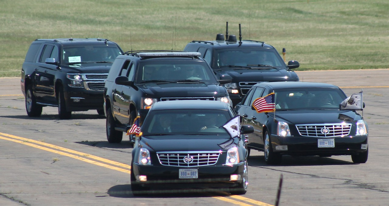 VP Biden motorcade enroute to Yale University 5-17-2015