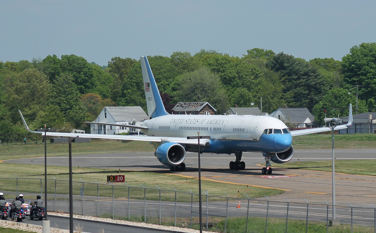 VP Biden arrives at Tweed New Haven Airport on VC-32A [99-0003] 5-17-2015