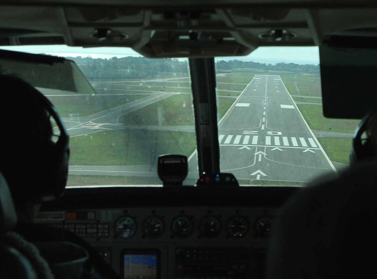 On the approach, runway 20. 10-28-2017