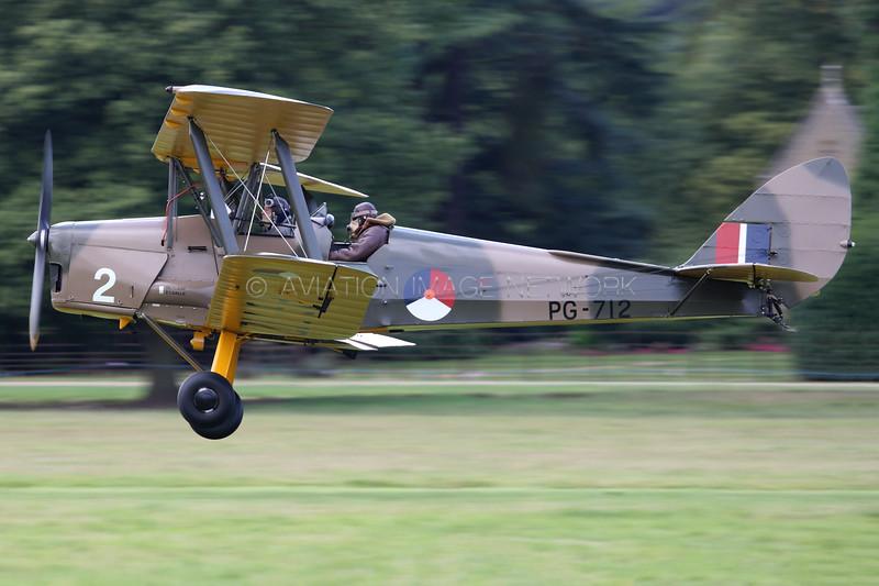 PG-712 (PH-CSL) | de Havilland DH82A Tiger Moth