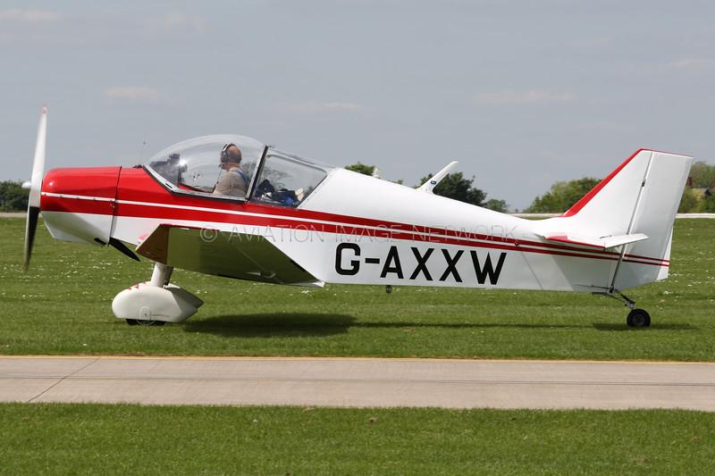G-AXXW   Jodel D-117