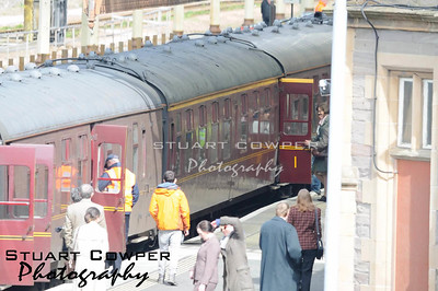 Pictures of Nicole Kidman and Colin Firth filming scenes of The Railwayman at Perth Railway Station