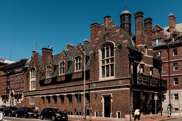 Harvard Lampoon Castle DSCF4600-46001
