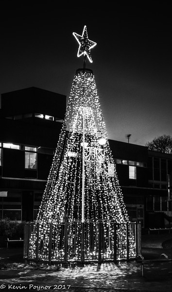14-Dec-17 Nuneaton Christmas Decoration.