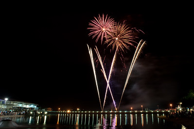 New Year Fireworks Darwin Waterfront 20101231 GS7_7825