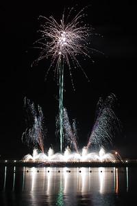New Year Fireworks Darwin Waterfront 20101231 GS7_7832