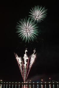New Year Fireworks Darwin Waterfront 20101231 GS7_7821