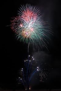 New Year Fireworks Mindal Beach 20110101 GS7_7881