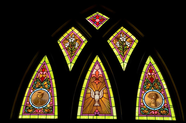 Stained Jewelled Glass in Chappell Hill (7 of 12)