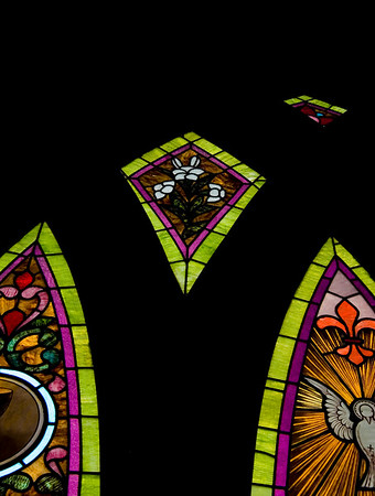 Stained Jewelled Glass in Chappell Hill (9 of 12)