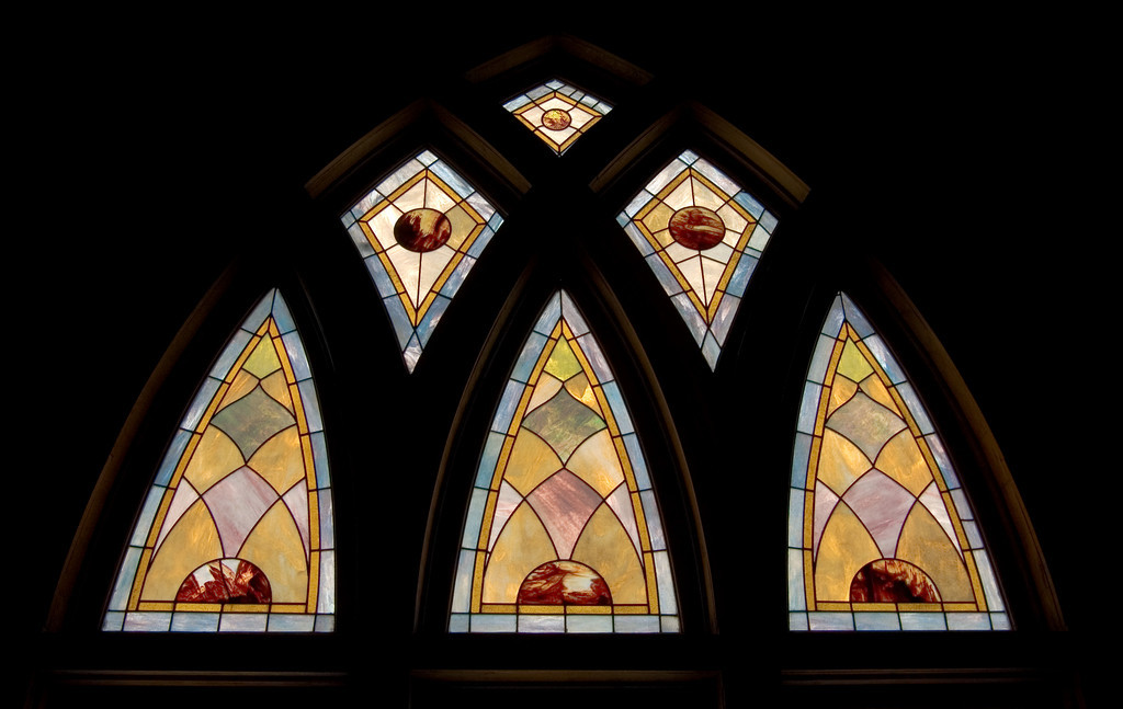 Stained Jewelled Glass in Chappell Hill (6 of 12)