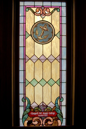 Stained Jewelled Glass in Chappell Hill (5 of 12)