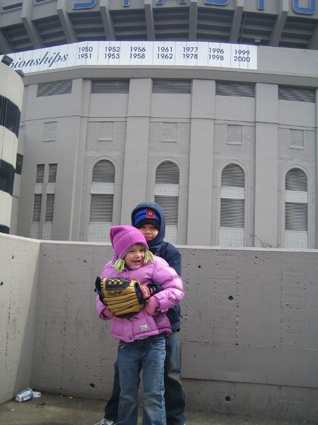 Jack and Julianna at Yankee Game 02