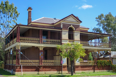 Gidgee Guest House (originaly Old London Bank, built 1888) - Bourke, New South Wales