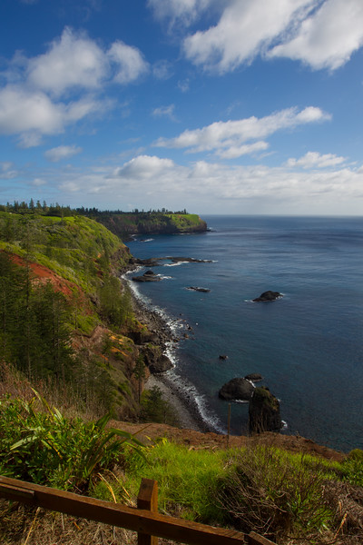 Duncombe Bay - Captain Cook Monument, Norfolk Island