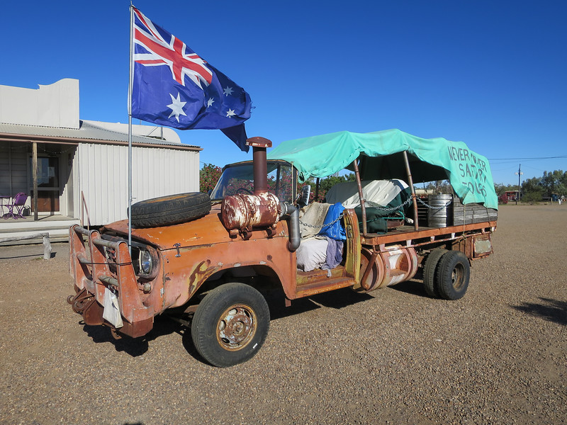 Never Never Tour Bus - Mckinlay, Queensland