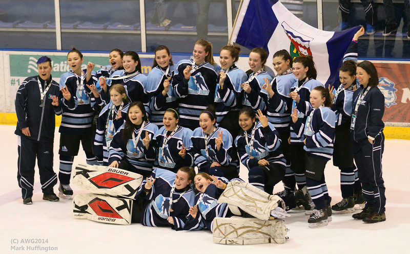 Northwest Territories defeats Yukon, placing third in Girls Junior Hockey at AWG2014