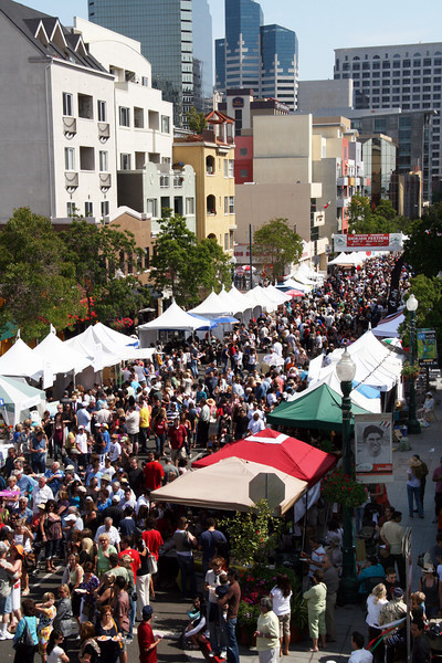 View on crowds at the 2009 Sicilian Festival