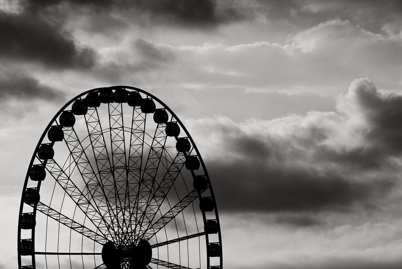 The South Bank Wheel Under a Gloomy Sky