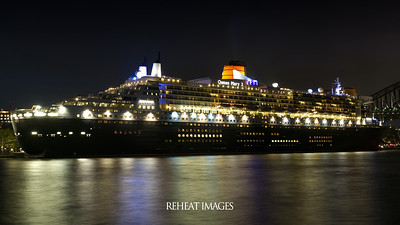 Cunard Queen Mary 2 at Circular Quay, Sydney.