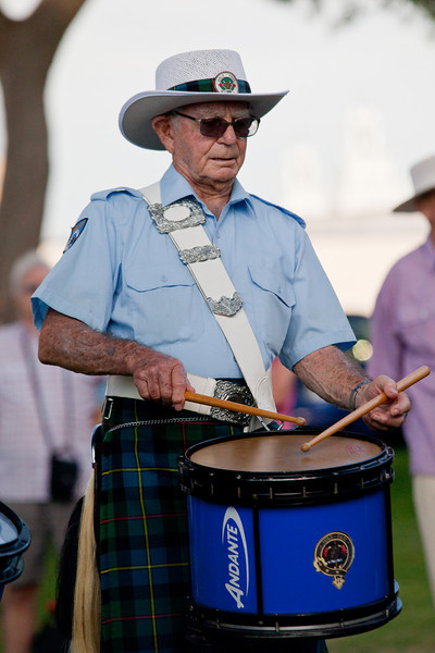 Clan MacLeod Pipe Band: Side Drummer