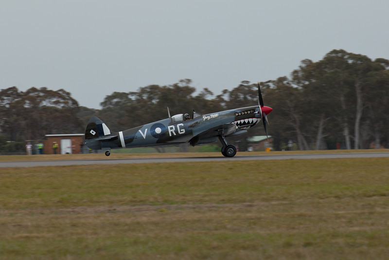 Supermarine Spitfire Mk VIII Landing (Property of Aviation Museum) (A58-758/VH-HET)
