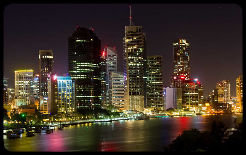 Brisbane CBD from Kangaroo Point CLiffs at Night