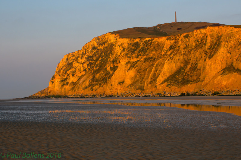 Golden hour at the foot of Cap Blanc Nez
