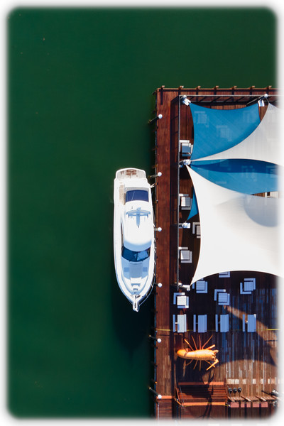 City of Mandurah Ocean Marina: Boat and Lobster