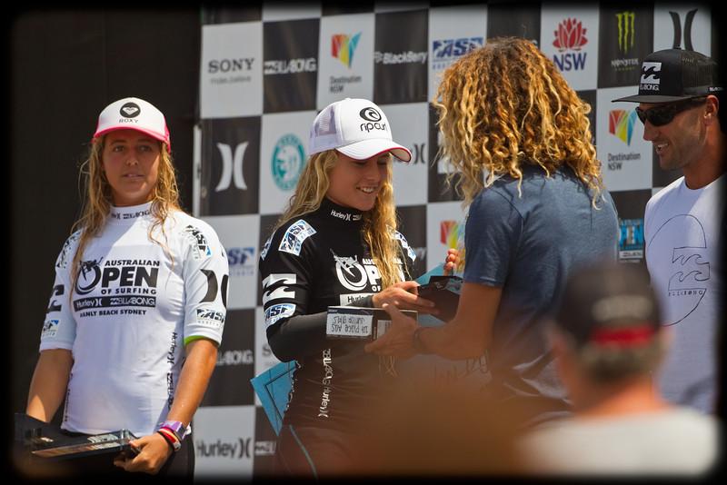 Presentation: Junior Girls Winner Nikki van Dijk