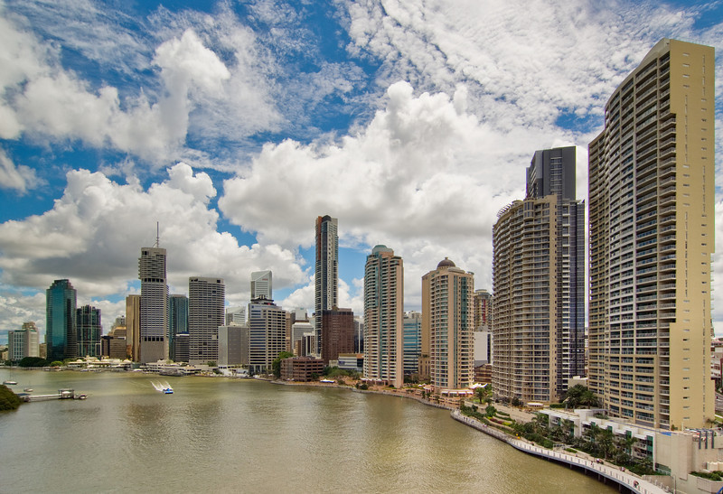 Brisbane River and SkyLine on a Cloudy Day