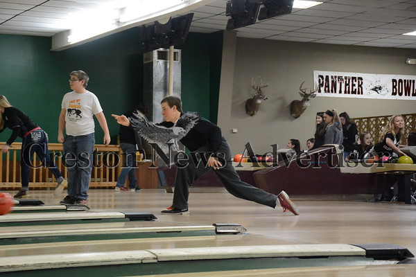 01-04 Bowling PE class